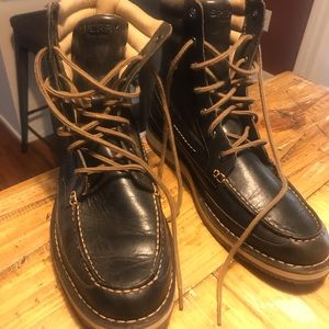 Sperrys Men hightop boots size 10